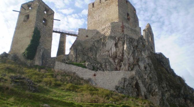 Portya – Csesznek, Cuha völgy
